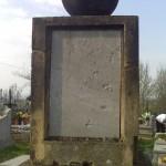 Pomnik Marcina Alojzego Haller z zatartym napisem